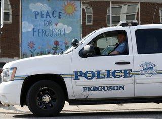 Ferguson, policija