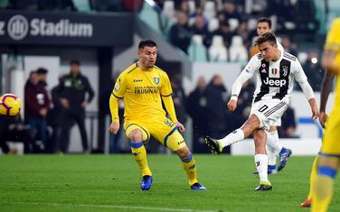 Paulo Dibala postiže gol protiv Frozinonea