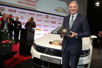 VW Passat auto goine 2015