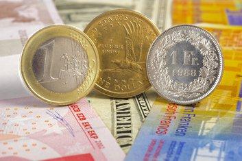 euro, franak, dolar