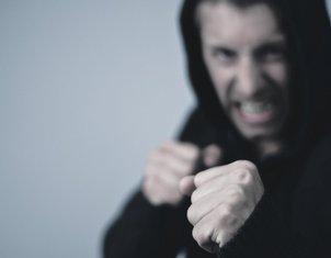 tuča, napasnik