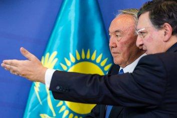 Nazarbajev i Baroso