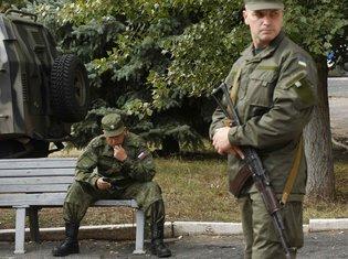 Ruski i ukrajinski vojnik