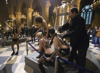 Femen, Notr Dam
