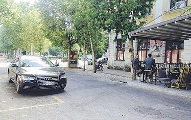 Igor Lukšić, audi, nepropisno parkiranje, službeni automobil