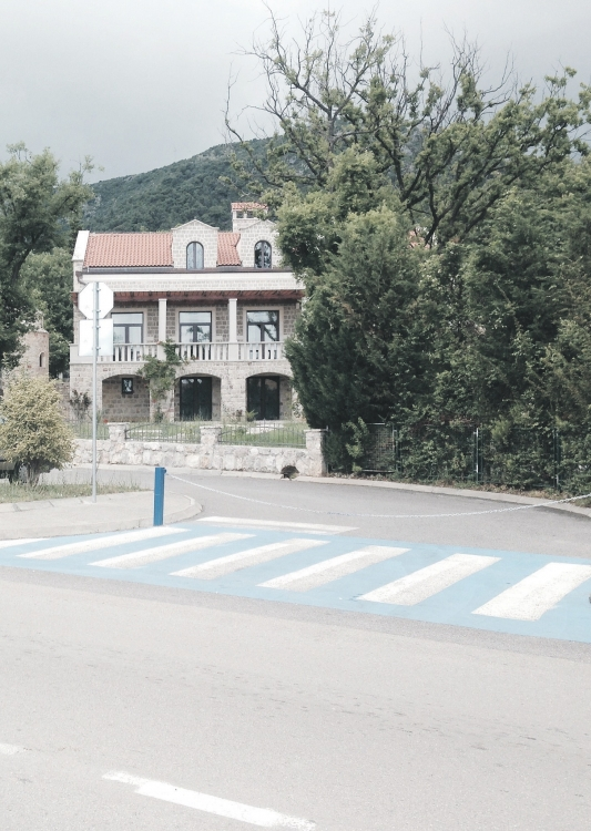 Crkva Svete Petke, Budva, parking