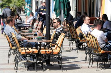 Podgorica, šetnja, kafići