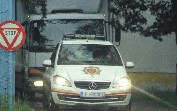 Kamion, policija