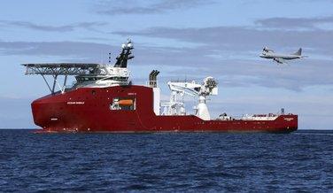 Malezija avion, Australijski brod