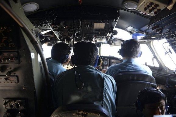 Vijetnam, Malezija, avion