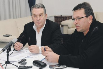 Miomir Mugoša, Vladan Vučelić