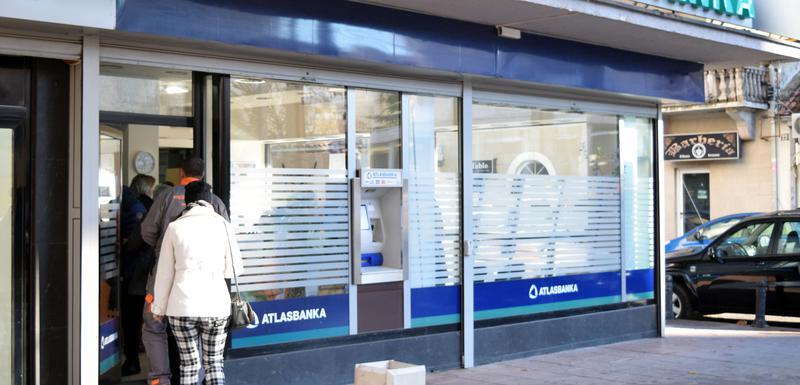 Klijenti čekaju odmrzavanje računa ili stečaj: Atlas banka