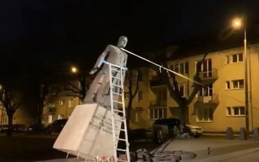 Rušenje spomenika Henrika Jankovskog