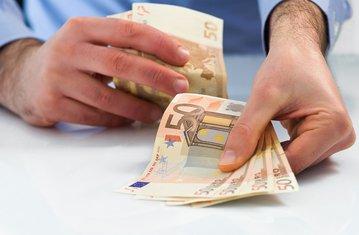 Davanje novca
