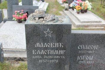 Oskrnavljen grob