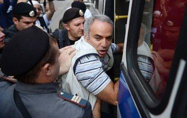 Kasparov hapšenje