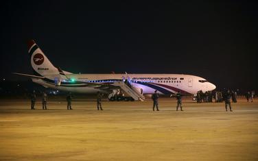 Avion na aerodromu u Bangladešu