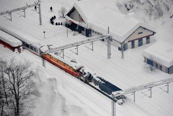 voz željeznica snijeg