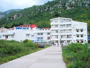 Hotel Lara, Čanj