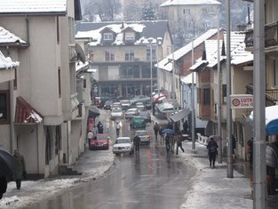 Snijeg, Plav