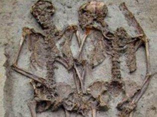 zaljubljeni, skelet, Modena