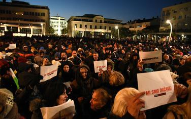 Balkan prepušten sam sebi: Protesti u Podgorici