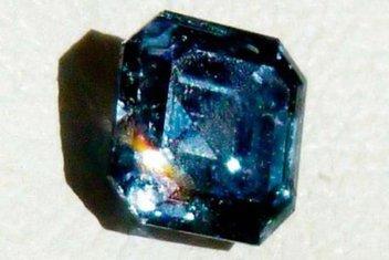 dijamant, Kris D.