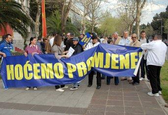 fejsbuk protest 8042011