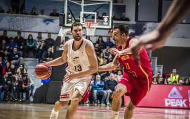 Janis Strelnijeks u duelu sa Nemanjom Vranješom