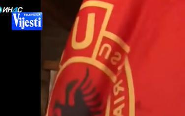 Slavlje u Tuzima sa zastavom OVK