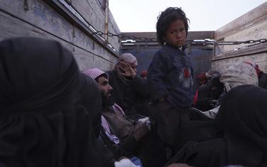 Evakuacija ljudi iz al-Baguza