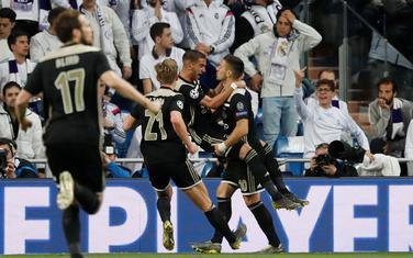 Igrači Ajaksa slave gol za 1:0