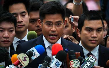 Pričapol Pongpanič, lider partije Taj Raksa Čar govori nakon odluke suda
