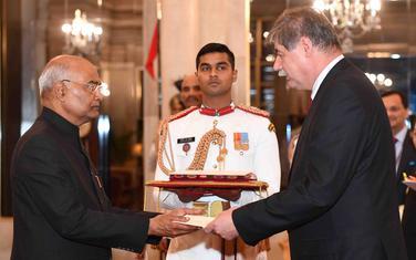 Janković(desno) sa predsjednikom Indije