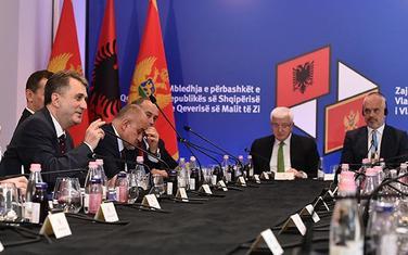 Sa zajedničke sjednice vlada Crne Gore i Albanije održane u Skadru 3. jula 2018.