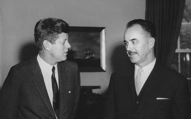 Ambasador Mićunović sa Kenedijem