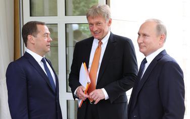 Medvedev, Peskov i Putin