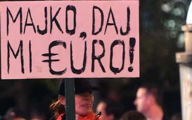"""""""Vladavina prava nepostojeća, ekonomski parametri sve lošiji"""": Sa protesta"""