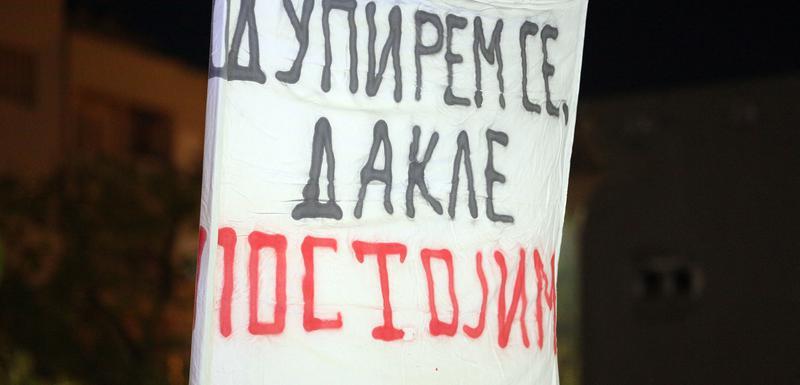 Jedna od poruka sa građanskih protesta u Podgorici