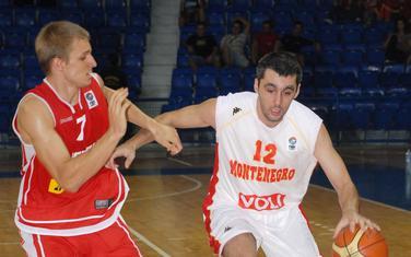 Goran Nikolić u dresu reprezentacije Crne Gore protiv Austrije