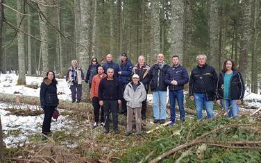 Ljudi koji su odlučni da zaustave sječu drveća u zoni neposredno uz Crno jezero na Durmitoru