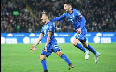 Barela i Žoržinjo slave gol protiv Finske