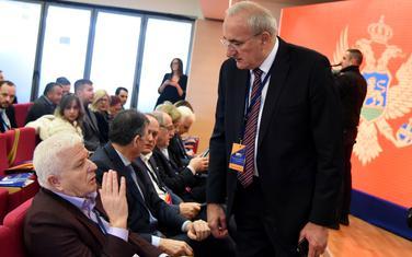 Marković i Milošević sa partijskim kolegama