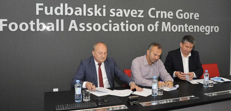 Potpisivanje ugovora o rekonstrukciji tribine stadiona u Nikšiću