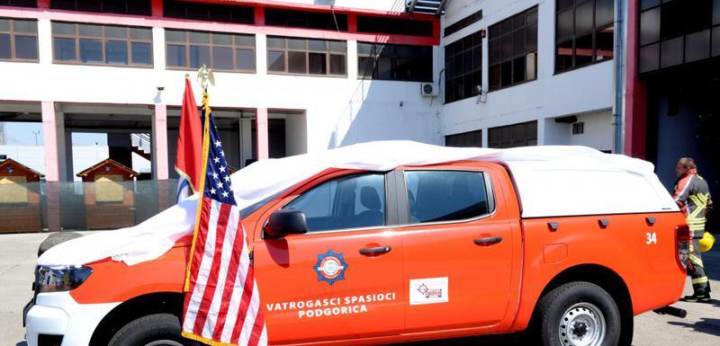 Vozilo koje je ambasada SAD donirala Službi zaštite i spašavanja Glavnog grada