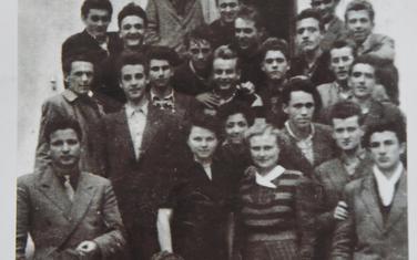 Bivša SFRJ na slici - generacija maturanata Savezne hidrometeorološke škole u Beogradu iz 1952