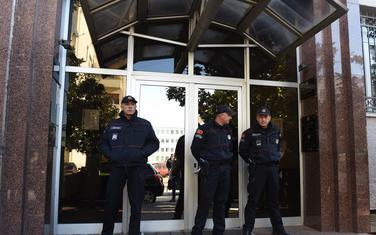 Policajci na ulazu u podgorički Viši sud (ilustracija)