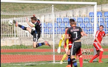 Golubović (Rudar) postiže gol na današnjem meču protiv Titograda