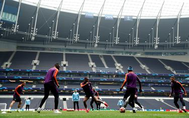 Igrači Mančester sitija na jučerašnjem treningu u Londonu