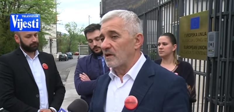 """Delegacija Građanskog pokreta """"Odupri se 97000"""" ispred zgrade Delegacije EU u Crnoj Gori"""